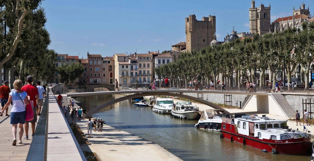 Cell in Canal Narbonne berths for boats